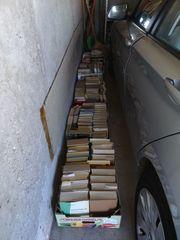 Büchersammlung zu verschenken