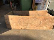Sehr alte Holzkiste