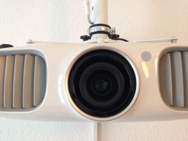 Epson EH-TW6100W Tri-LCD Projektor