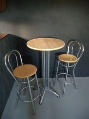 2 Barhocker Tisch