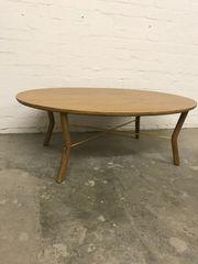 Tisch Holz oval