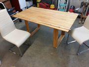 Küchentisch mit zwei Stühlen