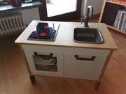 IKEA-Küche mit viel Zubehör