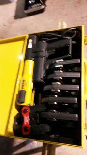REMS Pressmaschine mit 6 Pressbacken