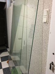 Duschwand und Türe Glas