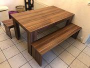 Esstisch mit Sitzbänken in Holzoptik