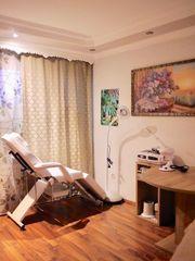 Gesichtsbehandlung Hot Stone Massage
