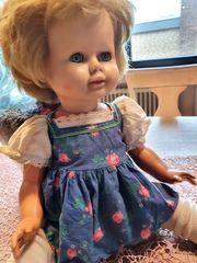 Alte Puppe aus den 60iger