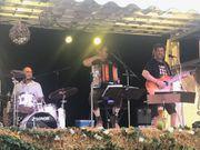 Drummer mit Gesang