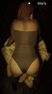 Erotikmassage by Marly Geniesser-Massage-Centrum