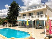 Meerblick Villa mit Pool zu