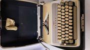 Schreibmaschine Adler Junior 3