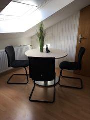 Besprechungstisch mit Stühlen top Zustand