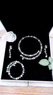 Collier Armband und Ohrringe von