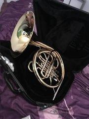 Ein neues Yamaha Waldhorn in