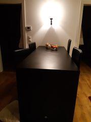 Bartisch mit Stühlen in schwarz
