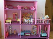 Barbiehaus mit viel Zubehör