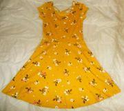 Süßes leichtes kurzes Kleid Gr