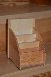 Stiftehalter aus Holz mit Bilderrahmen