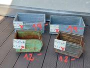 alte Metallkisten Stapelkisten Lagerboxen