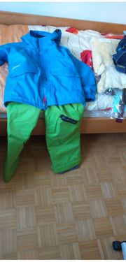 Verkaufe gut erhaltenen Ski-Snowboard-anzug Größe136-147