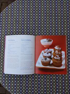 Muffins neuwertiges modernes Backbuch von: Kleinanzeigen aus Westheim - Rubrik Fach- und Sachliteratur