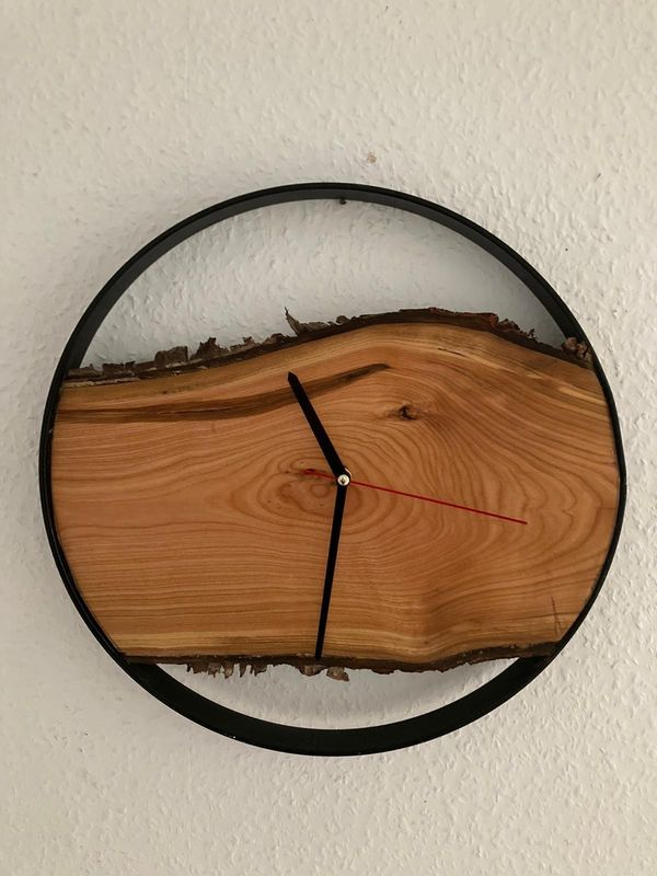 Wanduhr aus Holz ca37cm