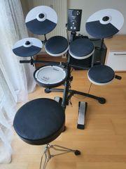 Schlagzeug Drum-Set Roland TD-1KV mit