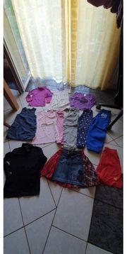 Schönes 12 teiliges Kleidungspaket in