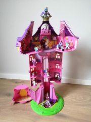 Filly Turm mit Figuren
