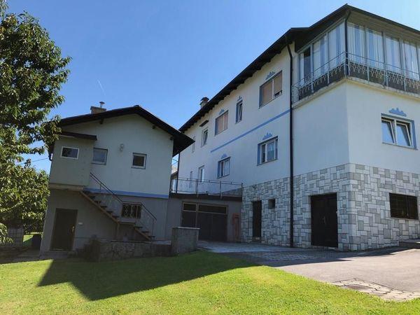 Provisionsfrei - 2 Häuser zum Preis