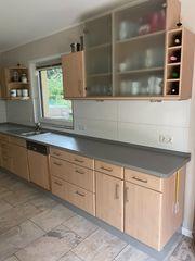 Küche L Form und Hängeschränke