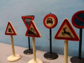 Konvolut alte Verkehrszeichen - Verkehrsschilder Wiking: Kleinanzeigen aus Steuerwaldsmühle - Rubrik Modelleisenbahnen