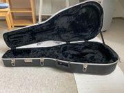 Neuwertiger Gitarrenkoffer für Konzertgitarre zu