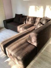 Großes Sofa mit Ottomane zuverkaufen