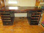 Alter Schreibtisch Massivholz