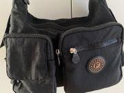Handtasche mit viel Platz