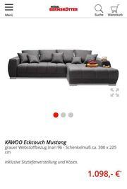Couch mit elektrische Ausziehfunktion