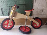 Dreirad aus Holz