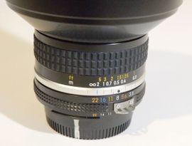 Foto und Zubehör - Nikon-Weitwinkel-Objektiv Nikkor AIs 3 5