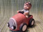 Goebel Figur Der Rennfahrer Nina