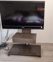 Tv Rack mit Fernseher
