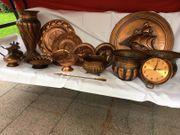 Konvolut aus verschiedenen Kupfertellern -vasen