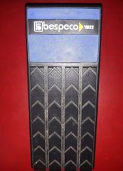 Volumenpedal für Tasteninstrumente Bespeco VKM12