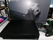 Xbox One X mit 7