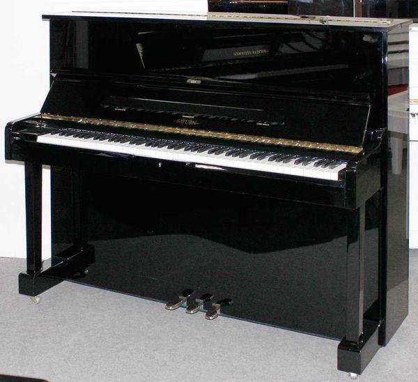 Klavier Saturn 121 schwarz poliert
