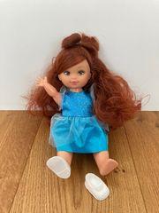 Hübsche Puppe