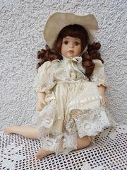 Sehr alte Sammler-Porzellanpuppe Amelie