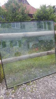 Glas von Dachfenster zu verschenken