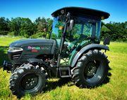Branson 5025C Black Edition Traktor